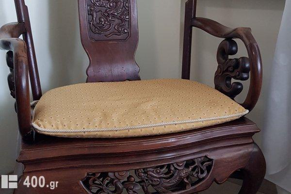 2 καρέκλες κινέζικες με τραπεζάκι