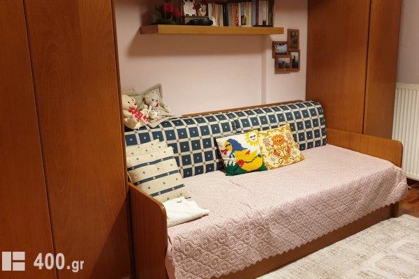 σετ κρεβάτι, ντουλάπα