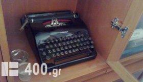 TYPEWRITER l c smith corona, mont 1940